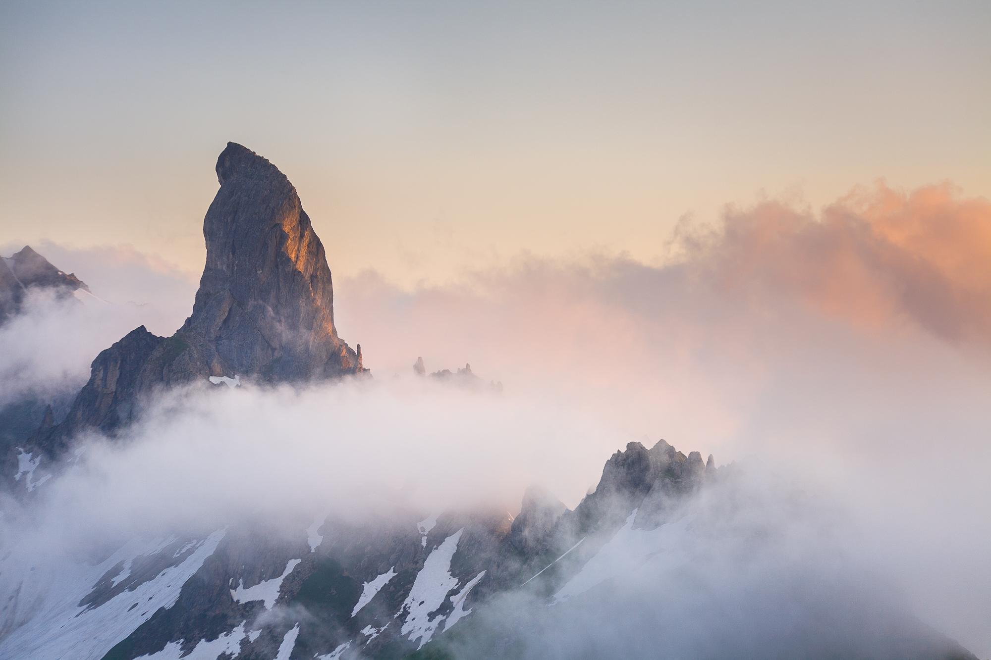 La Pierra Menta dans les nuages - Beaufortain, Savoie, France