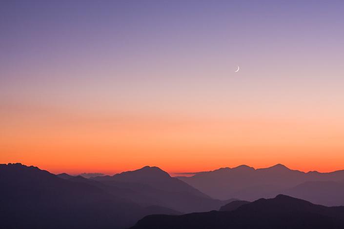 Couché de soleil. Népal