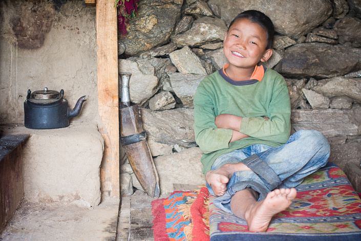 Un jeune garcon Tamang souriant. - Rasuwa District, Nepal