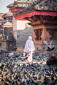 Une femme à Durbar Square - Kathmandu, Népal