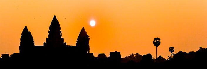Couché de soleil sur Angkor Wat. Cambodge.