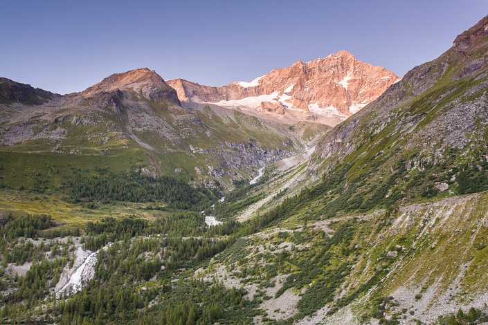 Weisshorn vu depuis la cabanne du petit Mountet. Suisse