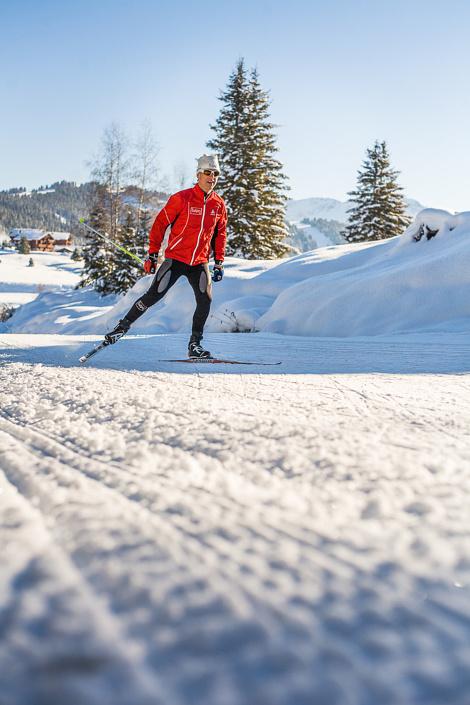 Franck Piccard sur les pistes de ski nordique aux Saisies