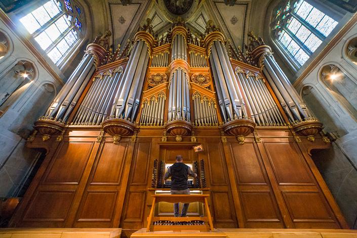 Nicolas VIATTE, organiste à la cathédrale St-Nicolas de Fribourg
