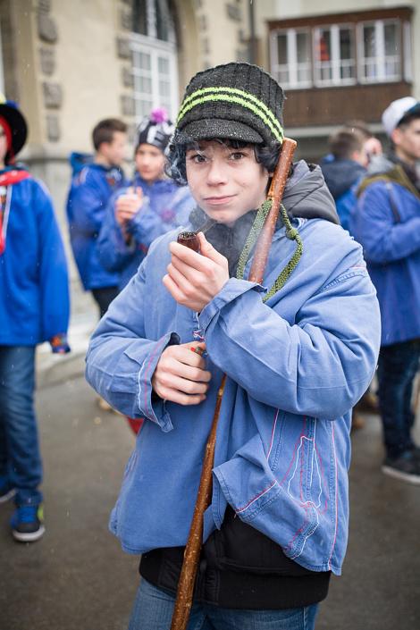 Chalandamarz, fête de la fin du mois de mars, pour chasser l'hiver et célébrer l'arriver du printemps. Les jeunes garçons sont autorisés à fumer la pipe pour marquer leur passage à l'age adulte. St-Moritz, Suisse