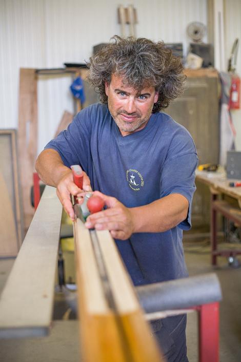 L'armateur Pascal Lavarello, dans son atelier au Bouvray, au bord du lac Léman. Suisse