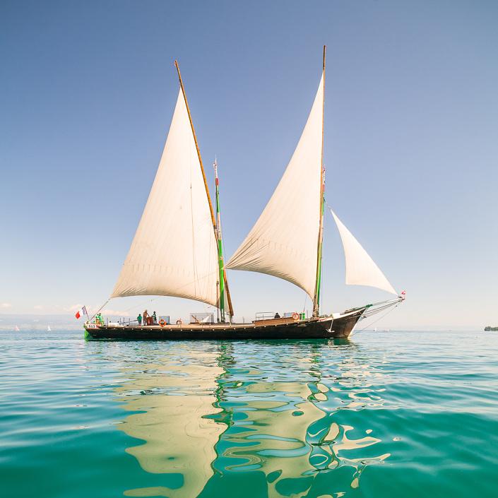 Barque à voile La Savoie - Reportage sur le lac Léman pour Alpes Magazine